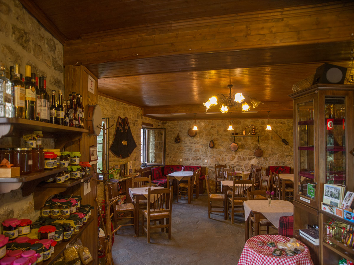 Taverne - Café - Konditorei Sarika Gasthauses Casa Calda Sirako ...